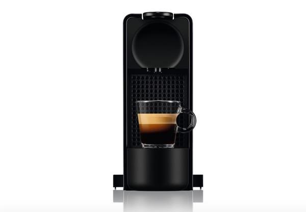 Macchina per il caffè, Essenza Plus, dotata di pulsante di Riordino Automatico integrato, che ti permette di riordinare le  tue capsule preferite in modo semplice. La macchina è dotata anche di un  avviso di decalcificazione, Nespresso