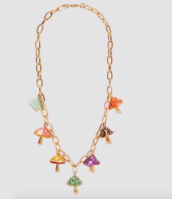 Collana con charms, Zara (17,95 euro)