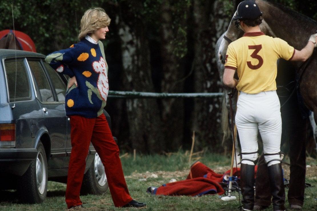 Maggio 1982, la principessa sui campi di polo assieme a Carlo. Lei è incinta del principe William