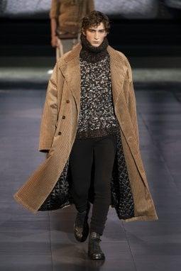 Un'uscita della collezione uomo a/i 2020 di Dolce&Gabbana