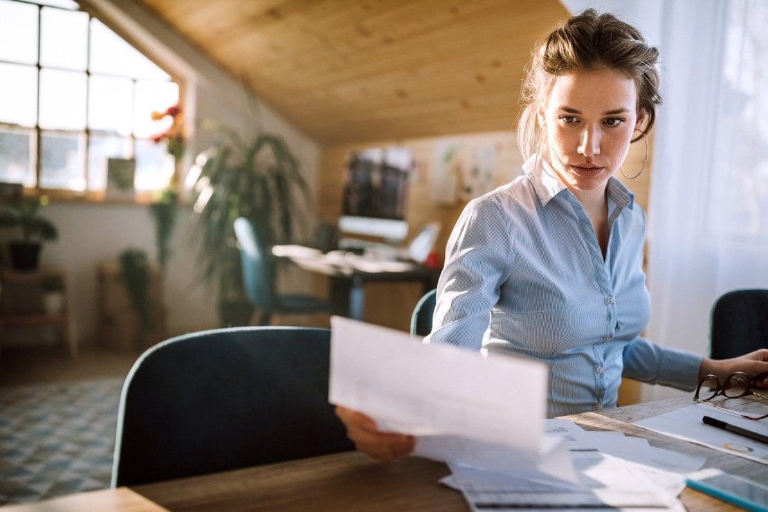 Gender pay gap in famiglia: se la donna guadagna di più, l'uomo è più stressato