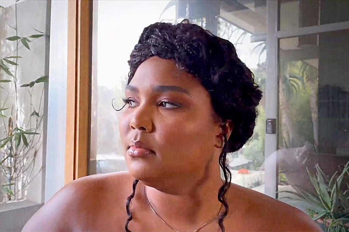 Lizzo contro i bodyshamer: Sono bella, sono forte. Mi alleno per il mio corpo ideale