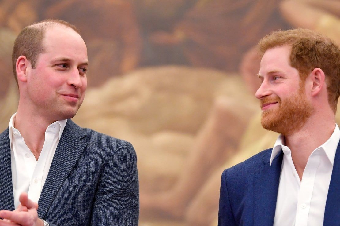 il principe william tiene d occhio il fratello harry negli usa con chat zoom private e informali moda d it repubblica il principe william tiene d occhio