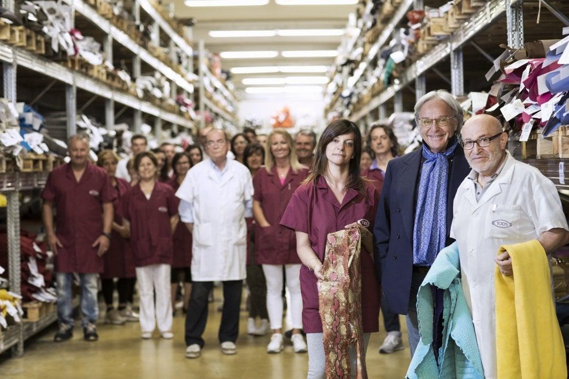 Diego Della Valle, ad di Tod's, tra i dipendenti dello stabilimento di Brancadoro (ph. Leonardo Rinaldesi)