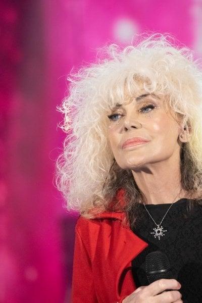 Donatella Rettore compie 67 anni: tanti auguri alla diva anni '80 che ha superato il tumore al seno