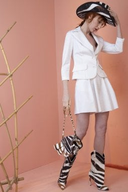 Chiara Boni: il lockdown mi ha fatto tradire 'la petite robe' per uno stile confortevole chic