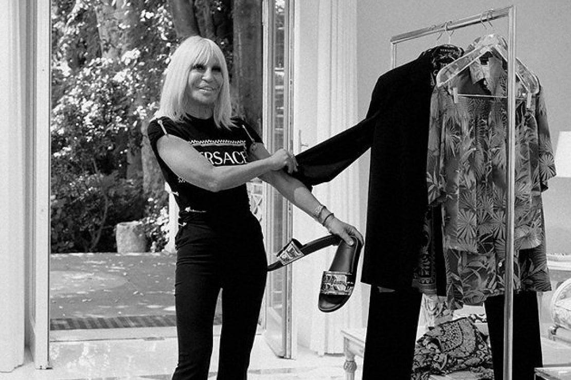 Donatella Versace diventa stylist: crea un outfit per Chiara Ferragni e il prossimo potrebbe essere il tuo