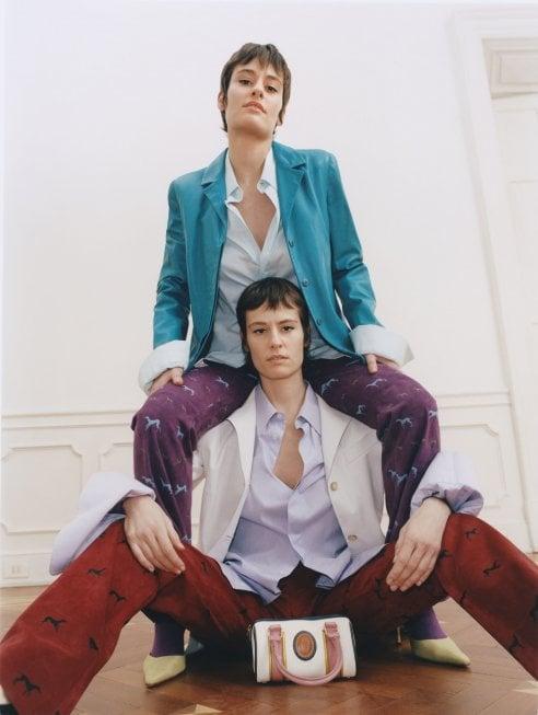 Giulia e Camilla Venturini firmano una capsule collection di borse per Trussardi