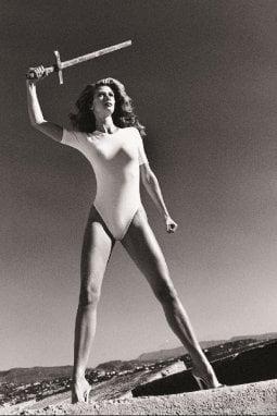 Foto di Helmut Newton per un calendario Wolford degli anni Novanta