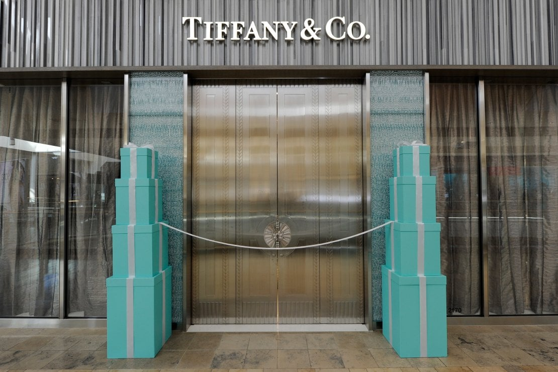 Moda e coronavirus: Tiffany & Co. dona in beneficenza l'intero ricavato della vendita dei gioielli Infinity