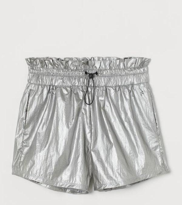 Short argentati con coulisse, H&M;