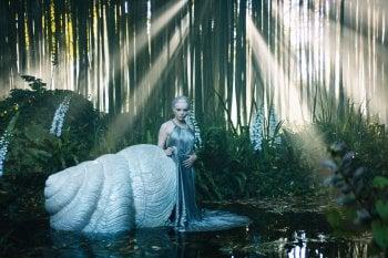 Matteo Garrone, un film per l'alta moda: ninfe, sirene e gli abiti in miniatura di Dior
