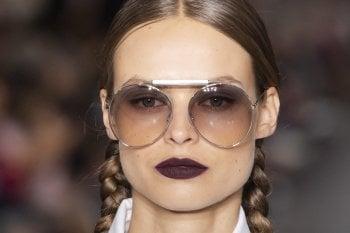 12 occhiali da sole per l'estate 2020 nelle sfumature del marrone