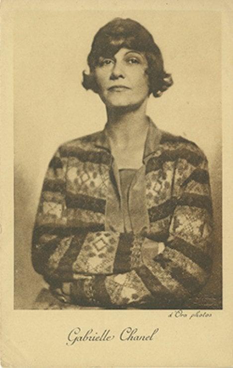 Universo Coco Chanel: la vita e le creazioni di Gabrielle in mostra a Parigi