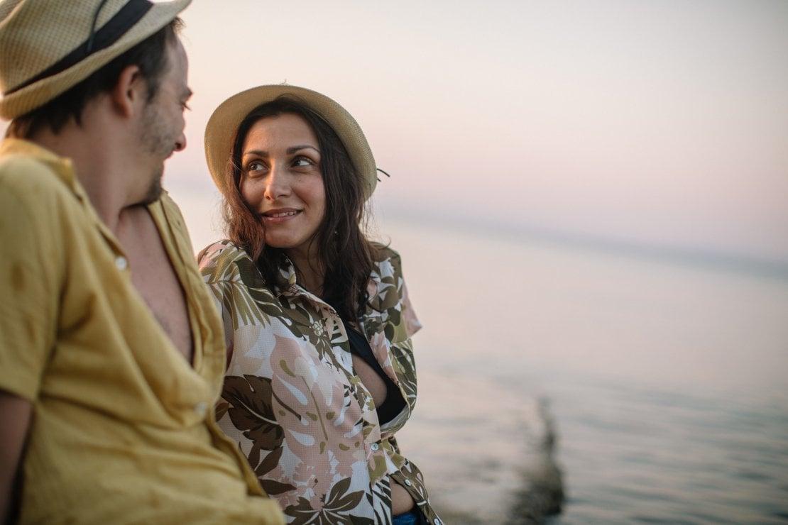 Dieci miti romantici da smentire per salvare la coppia (soprattutto in vacanza)
