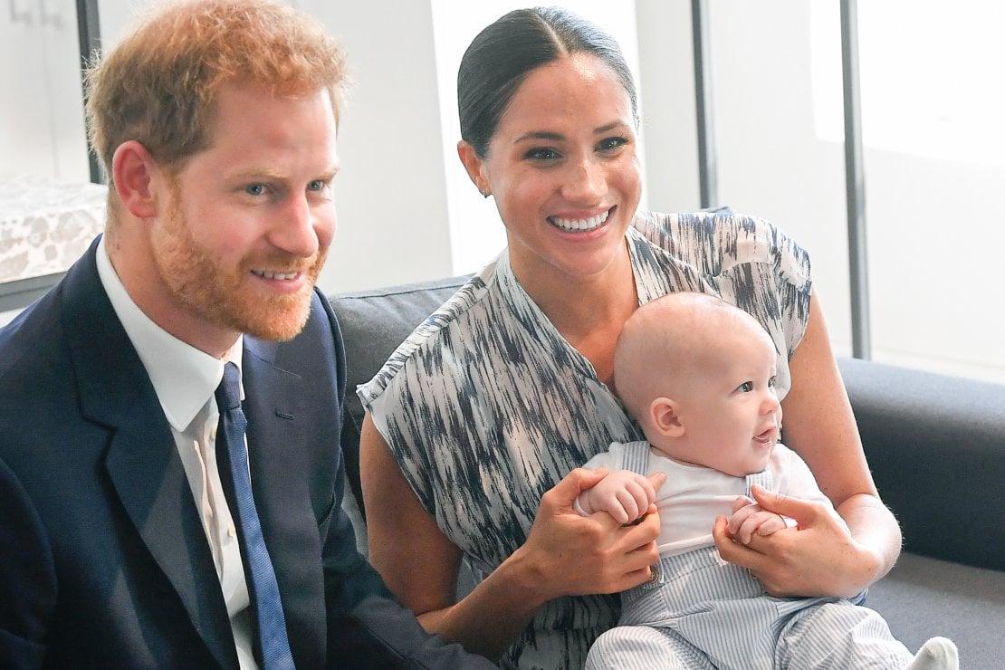 Il principe Harry e Meghan Markle fanno causa ai paparazzi: hanno rubato delle foto di Archie