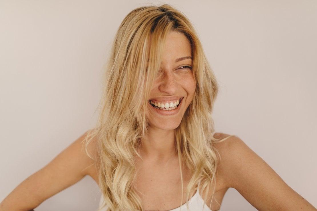 Estate senza trucco: i trattamenti per sentirsi belle senza bisogno del make up