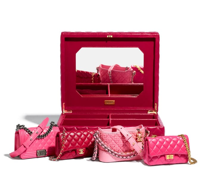 Set di 4 mini borse Chanel: in pelle, tartan e con catenella, fanno parte della collezione pre-fall Métiers d'Art