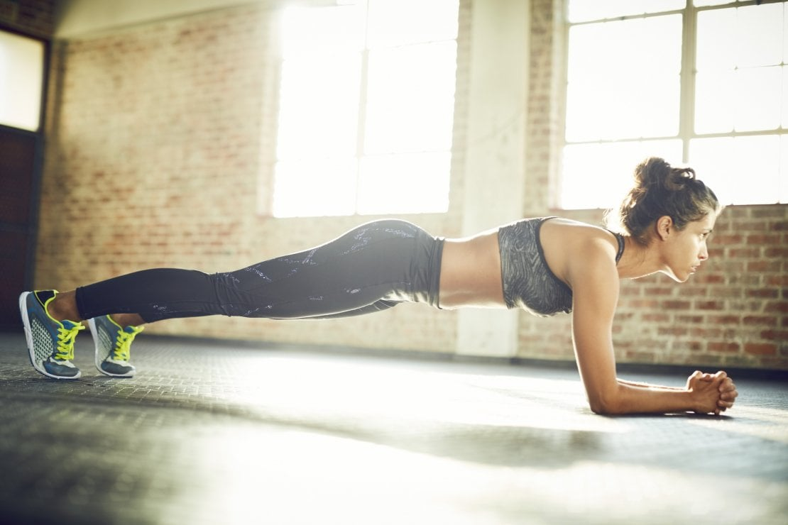 Con la postura corretta diventi tonica (e più bella): sei esercizi mirati per migliorare subito
