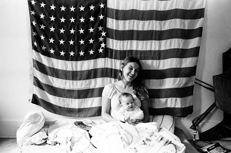 Luglio 1975, Leonardo e Irmelin posano nella loro abitazione di Los Angeles