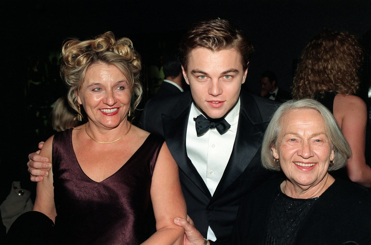 1998, Leonardo DiCaprio con la madre Irmelin e la nonna Helena