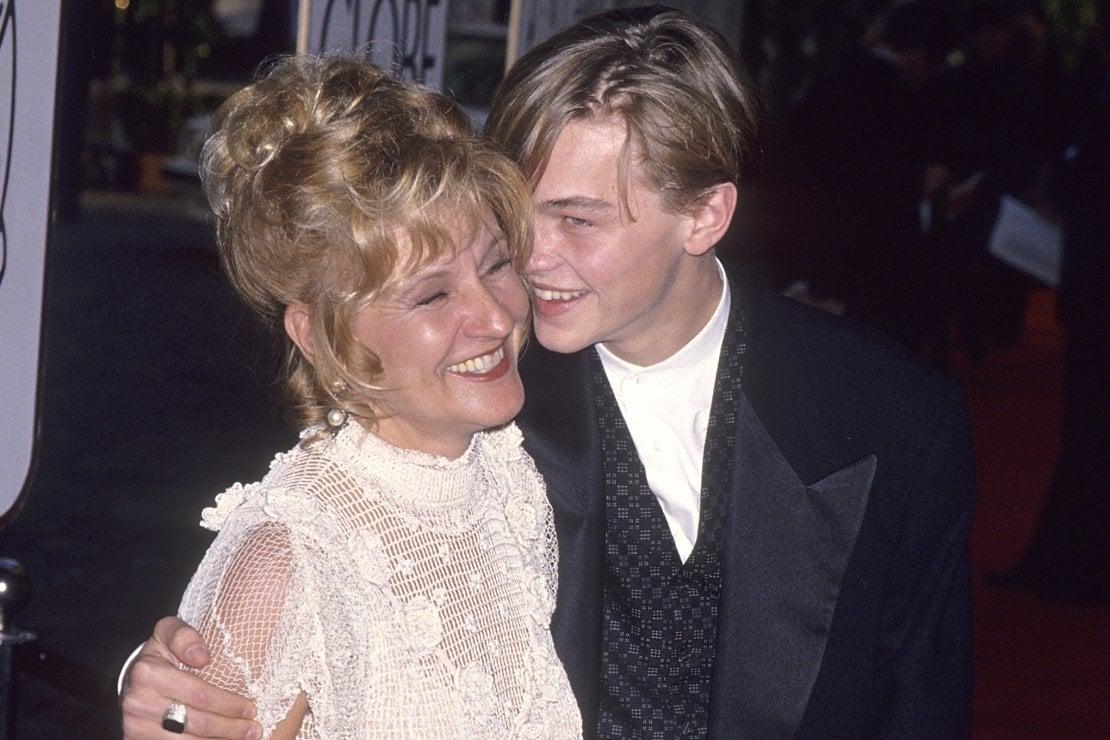 Gennaio 1994, DiCaprio con la madre Irmelin ai Golden Globe