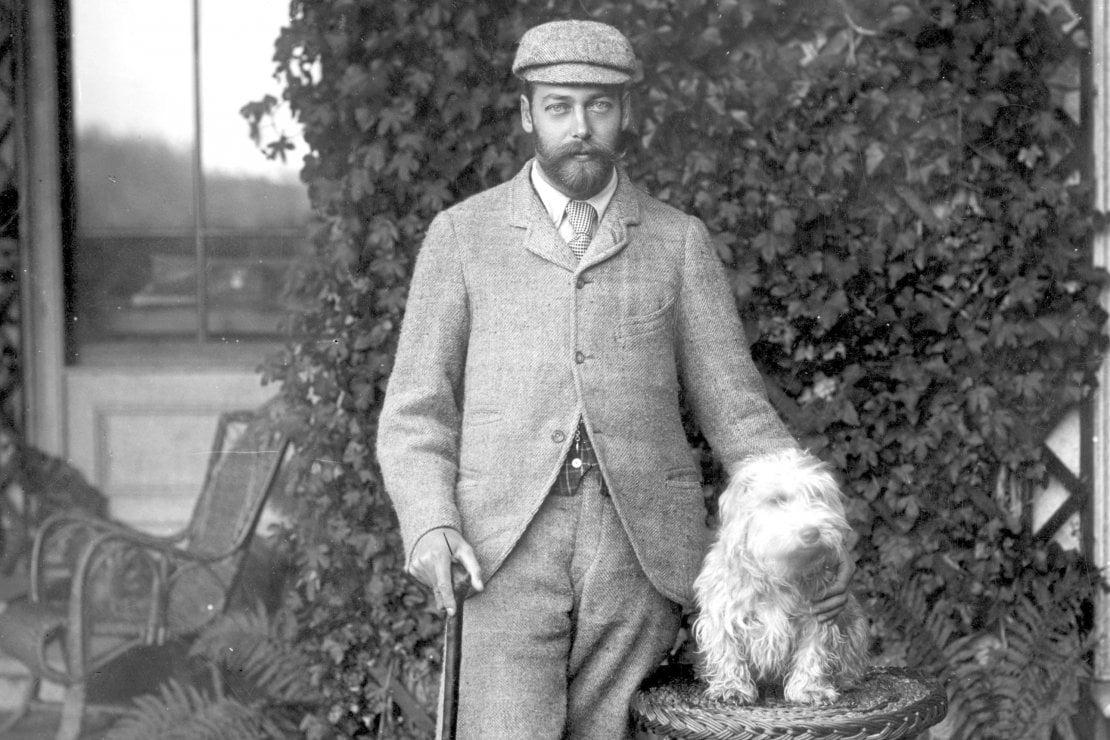 Giorgio V ritratto con uno dei suoi cani