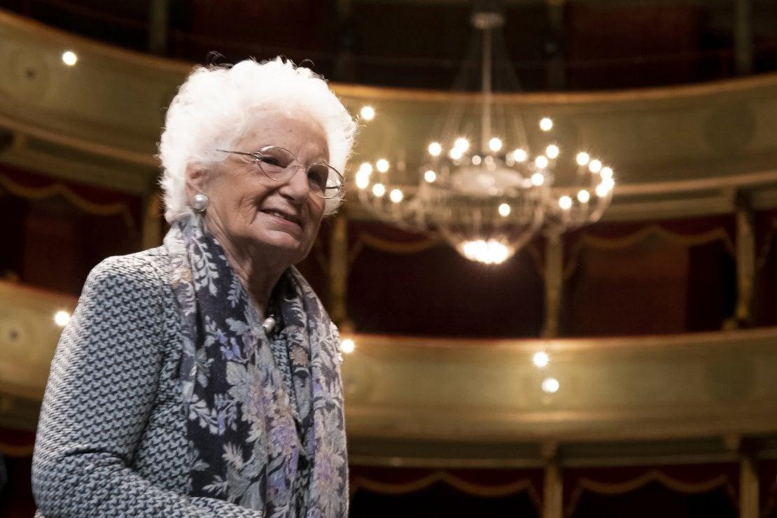 Liliana Segre compie 90 anni: l'importanza della memoria e i 7 insegnamenti della senatrice a vita da raccontare ai vostri figli