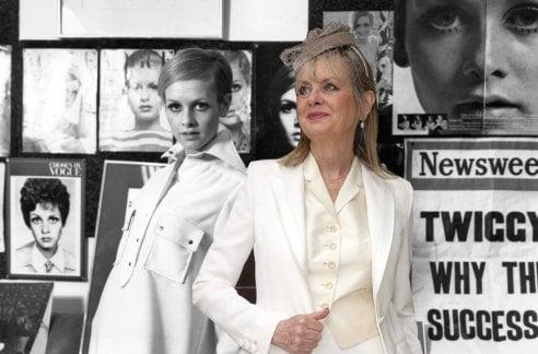 Twiggy compie 71 anni: tanti auguri alla modella che ha reso immortale la minigonna