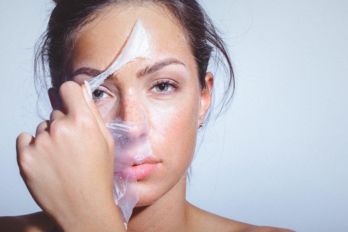 L'importanza di un peeling al viso per preparare la pelle all'inverno