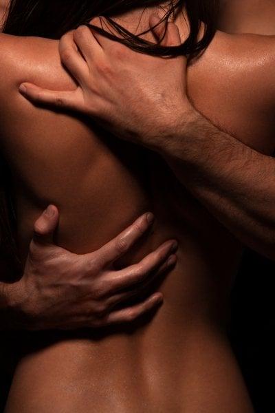 10 modi in cui usare le mani per rendere il sesso ancora più eccitante