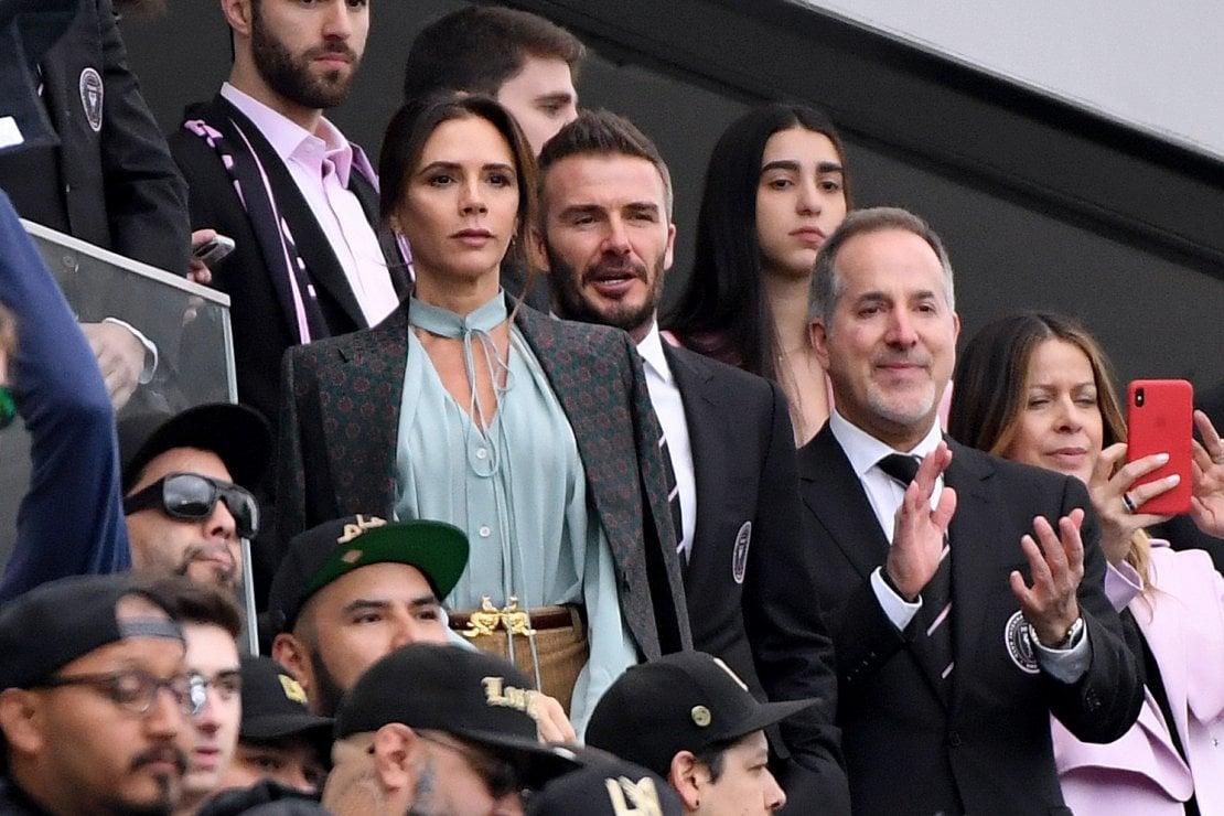 Victoria e David Beckham assistono a Los Angeles alla partita dell'Inter Miami. E' il 1 marzo. Il contagio sarebbe partito in questa occasione