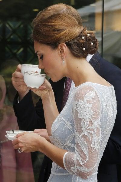 20 regole per preparare e servire un classico tè all'inglese