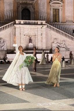 Lavinia Biagiotti ed Eleonora Abbagnato al termine dello show