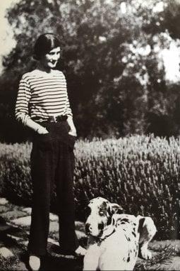 Coco Chanel  in uno scatto del 1930