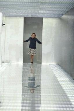 Miuccia Prada, saluto di fine sfilata, settembre 2010