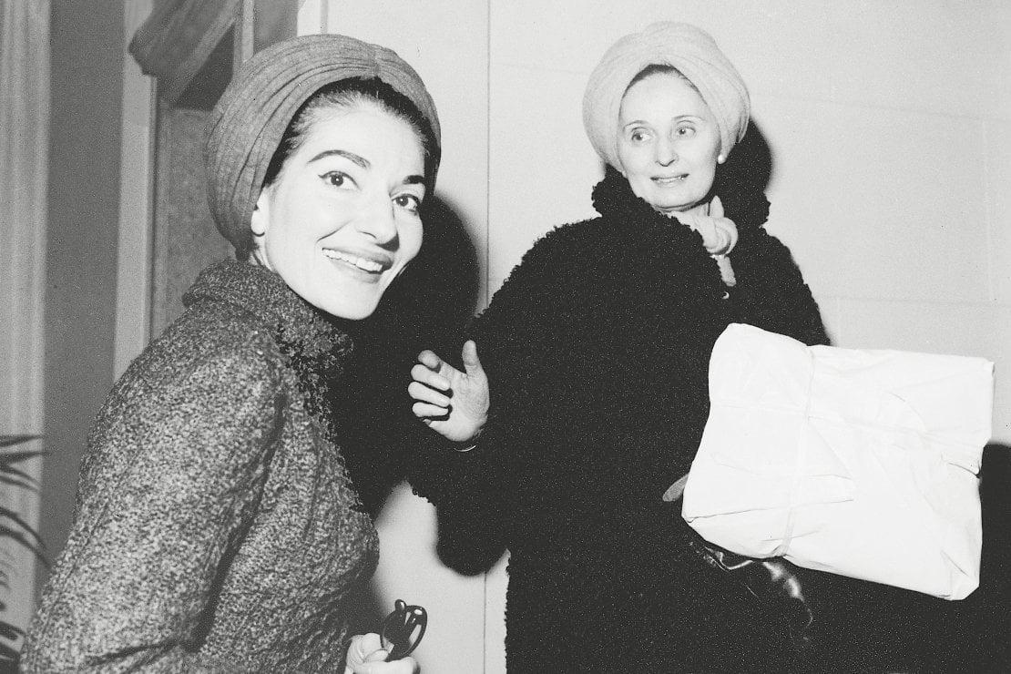 Maria Callas con Biki in uno scatto degli anni 50 courtesy archivio Biki
