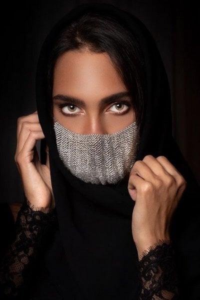 Mascherine: la più folle e lussuosa? Quella in diamanti e oro bianco 18 carati
