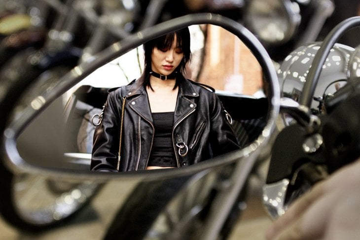 Cosa ci piace questa settimana:il look ispirato al mondo del motociclismo