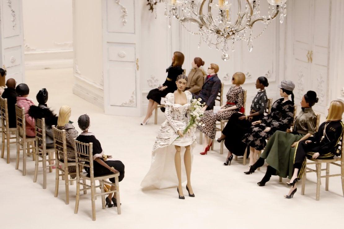 Chiara Ferragni e Anna Wintour si trasformano in marionette per la sfilata di Moschino