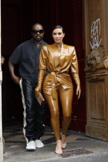 Kim Kardashian compie 40 anni tra successo, social network e le voci di divorzio da Kanye West