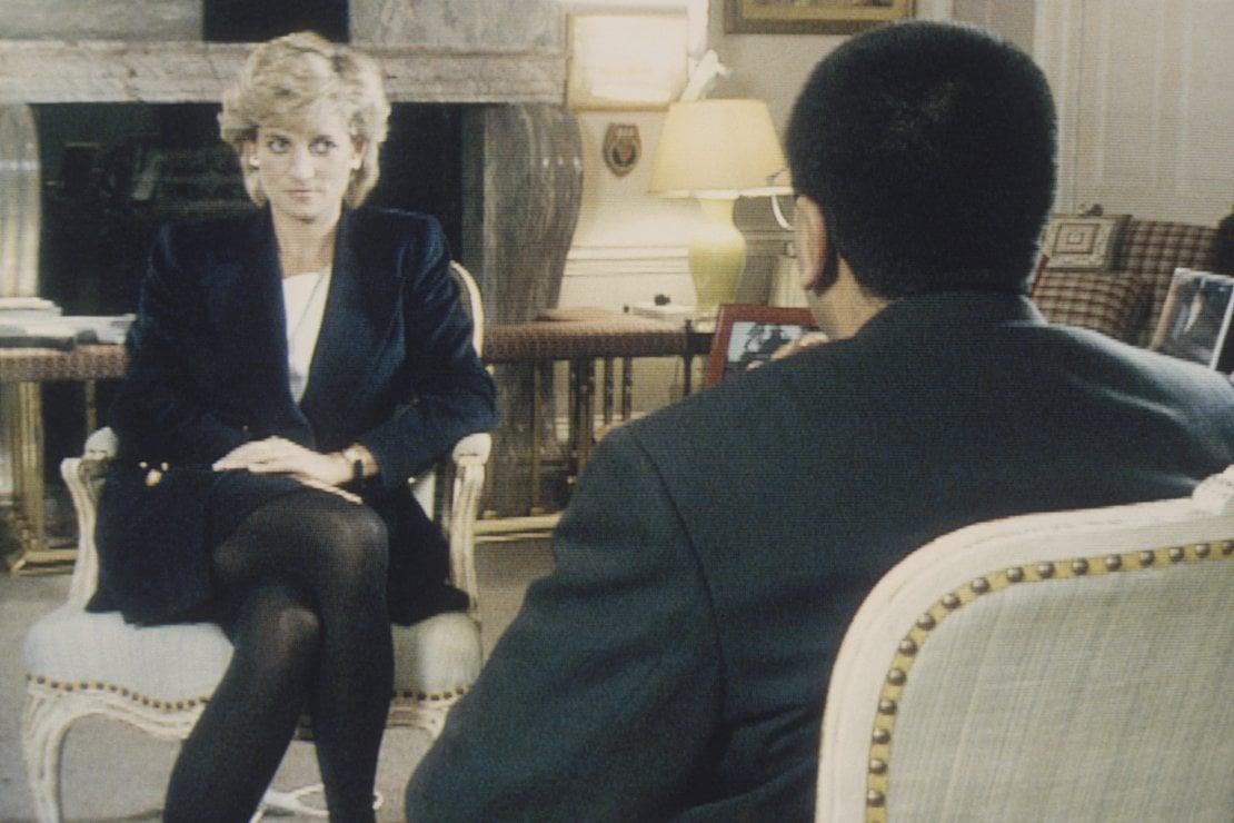 La principessa siede a Kensington Palace per l'intervista con Martin Bashir della BBC, 20 novembre 1995