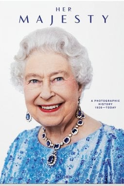 Her Majesty. A Photographic History 1926–Today. Christopher Warwick, New edition, 50 euro