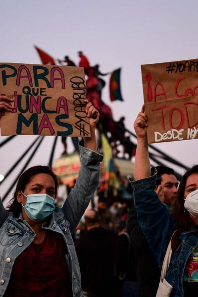 Il Cile avrà la prima Costituzione paritaria: donne e uomini la scriveranno in piena uguaglianza