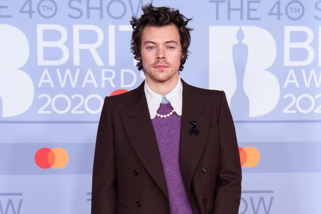 Harry Styles è il primo uomo (in abiti femminili) sulla copertina di Vogue America