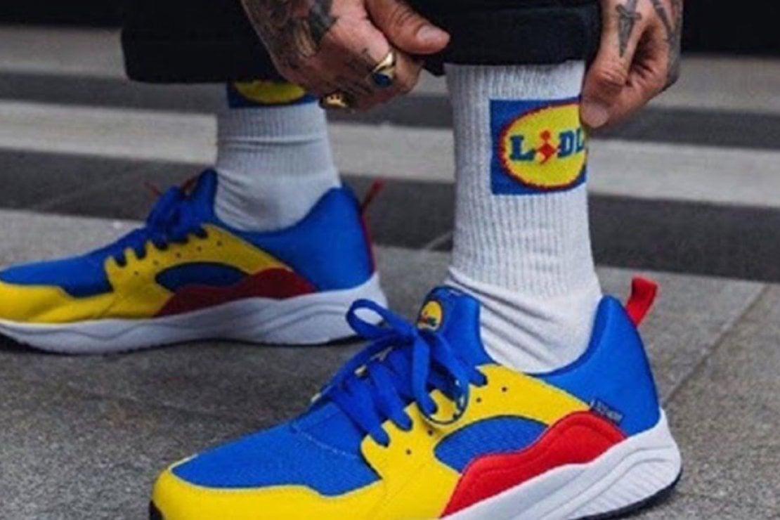 Le sneaker e i calzini di Lidl, nuovo fenomeno di costume