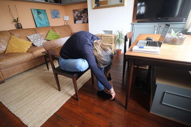 Yoga da scrivania: ecco come si fa