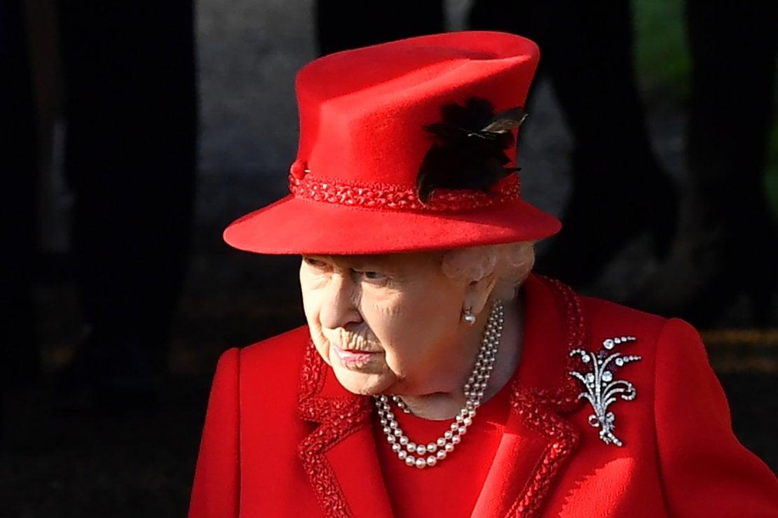Il triste Natale della regina Elisabetta II, chiusa in una 'bolla' anti covid senza i bisnipoti