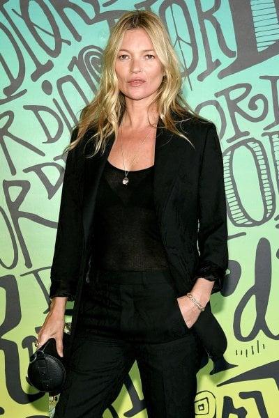 Kate Moss a 46 anni torna sulla cover di Vogue Uk. A 28 anni dalla sua 'prima volta'