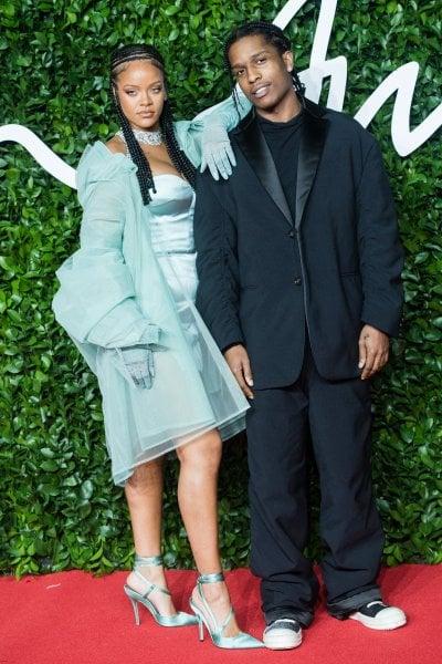 Rihanna e A$AP Rocky fidanzati: una fonte conferma la relazione tra i due